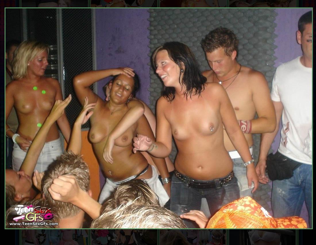 Пьяные и голые на вечеринке, Пьяные вечеринки - смотреть лучшее порно в хорошем 23 фотография