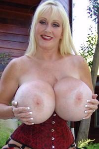 Kayla Kleevage