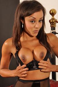 Alyssa Divine