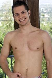 Aaron Caine