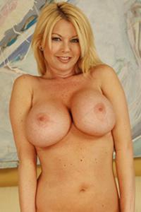 Carolyne Monroe