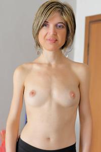 Sara Lux