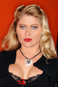 Nikki Darlin