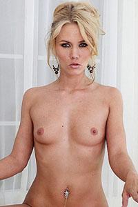 Sophia Lynn
