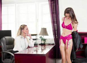 Oiling Up The Secretary Scène 1