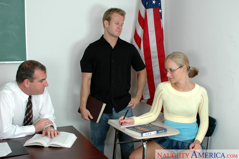 Naughty Bookworms - Leah Wilde &