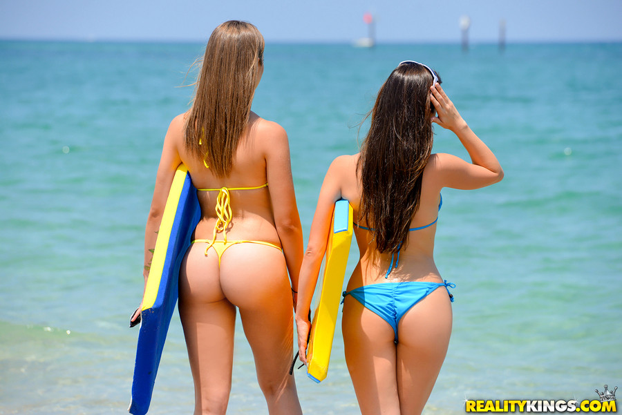 Surf Board Scène 1