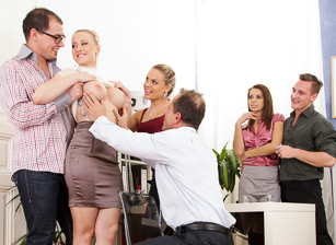 Fuck Our Horny Wives Scène 2