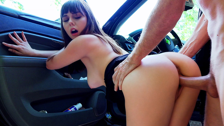 Roadside Sex With Teen Cutie Scène 1