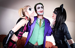 Cosplay Harley Quinn and Catwome