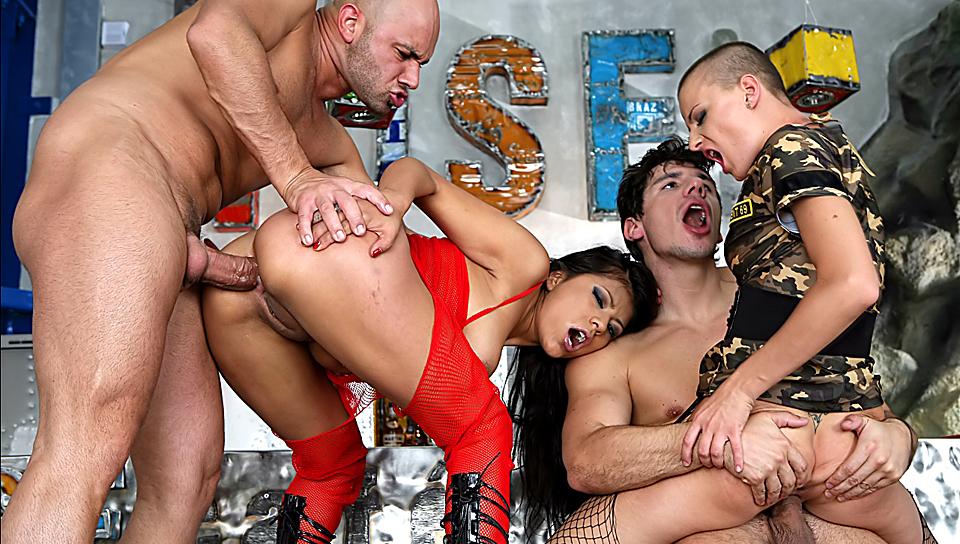 Порно фото с рокко сифреди 32407 фотография