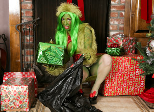 How The Grinch Gaped Christmas -