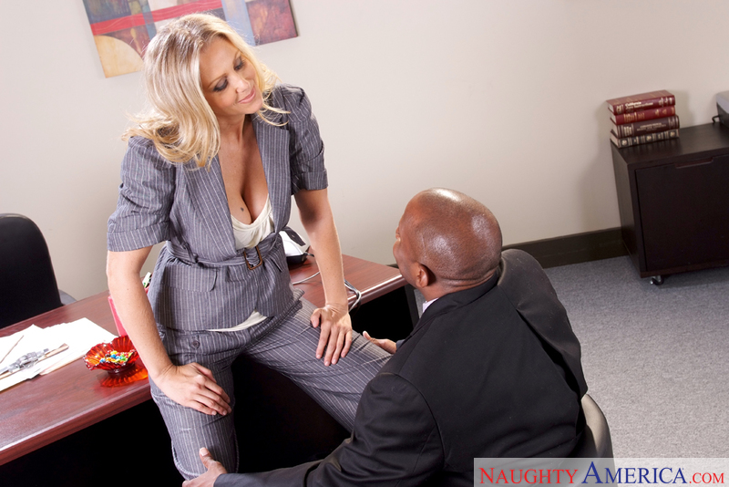 Naughty Office - Julia Ann & Pri