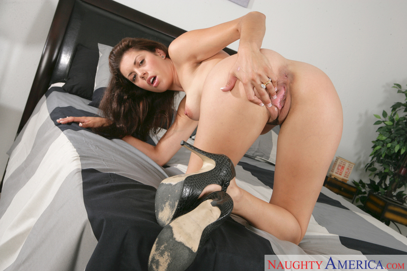 Housewife 1 on 1 - Marlena & Tal