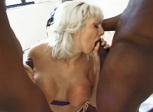 Blacks In Blondes #04 Scène 1