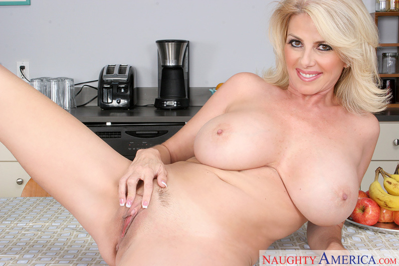 My Friend's Hot Mom - Penny Pors