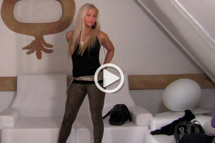 Fake Agent - Jennifer