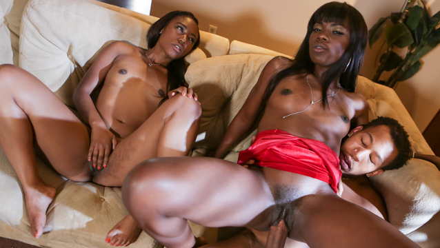 The Perfect Threesome Escena 1
