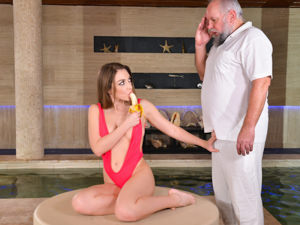 Spa for Spoiled Sluts Scène 1