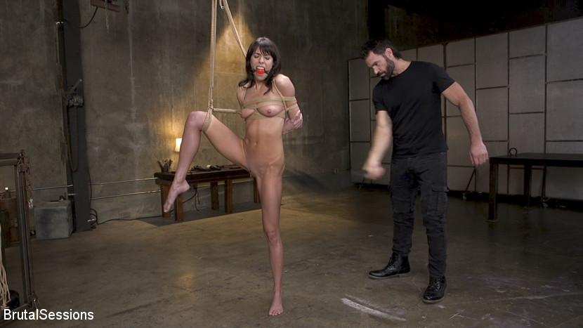 Skinny Newbie Lexi Foxy gets her