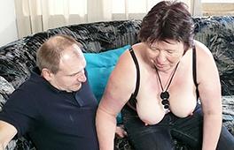 Seducing An Amateur Couple