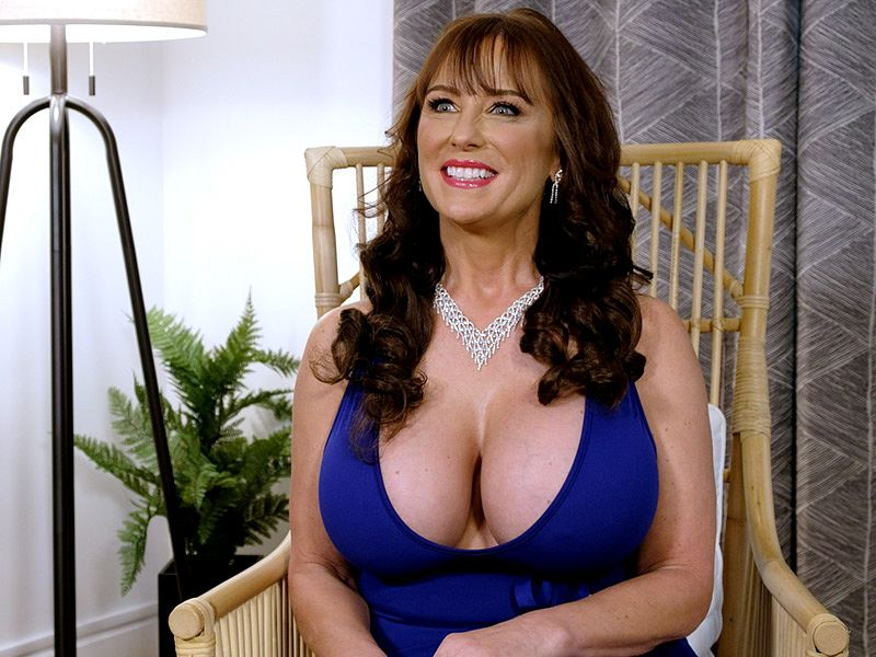 Shelby Gibson: Tit Chat