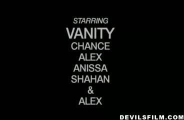 Vaniity Exposed Scène 3
