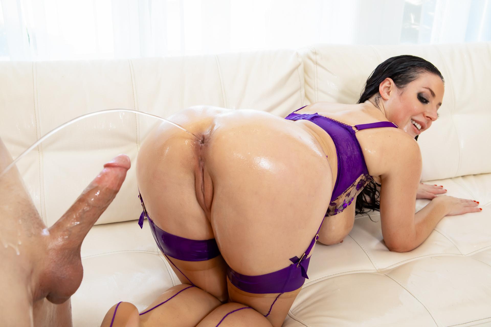 Angela White: Oily Anal & Titty