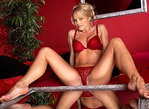 Pleasure In Bed Escena 1