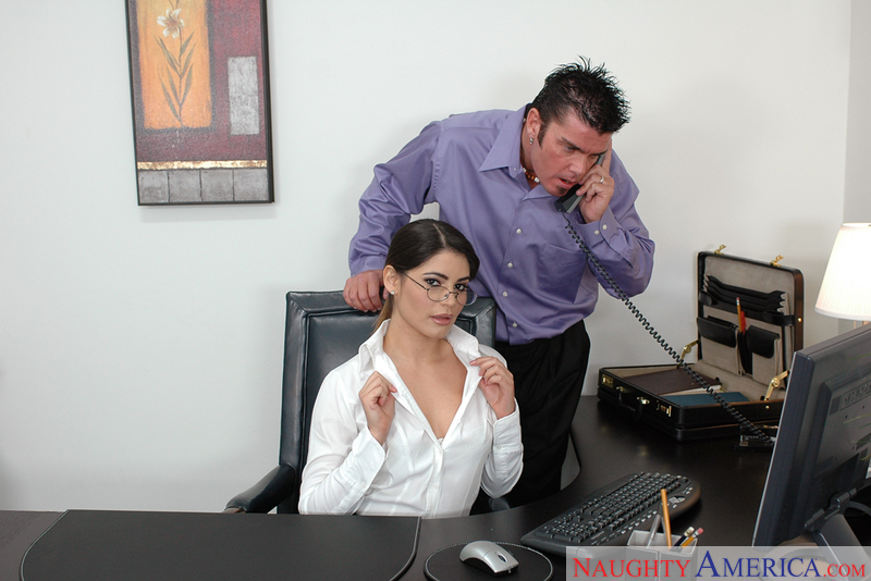 Naughty Office - Paola Rey & Che