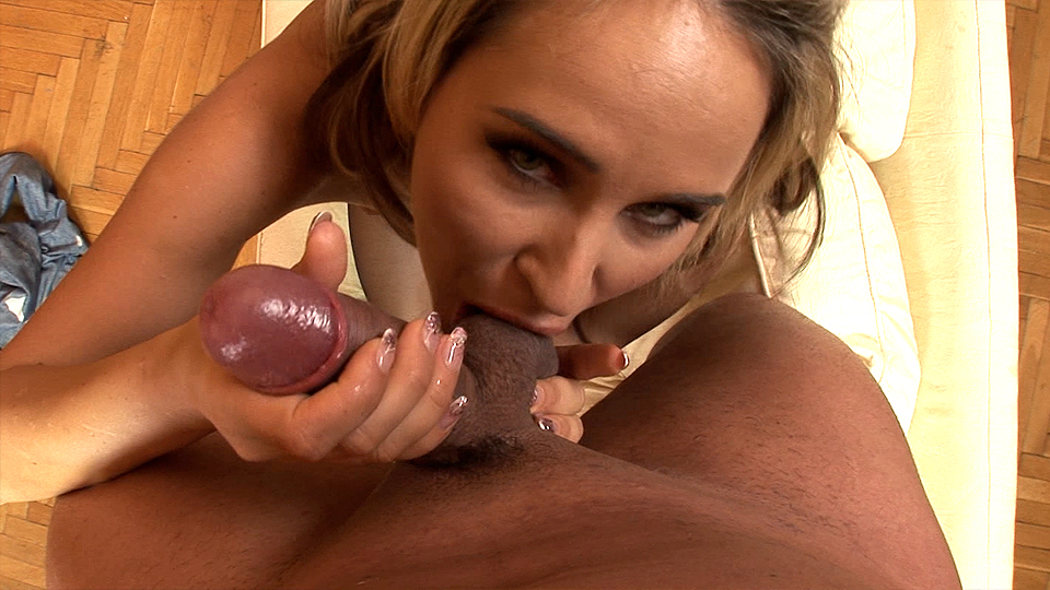 Hot Sucking and Sweet Moans!