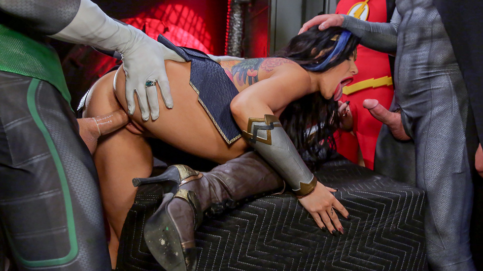 Justice League XXX An Axel Braun Parody, part 5 Scène 5