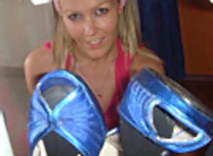 Shoes, shoes, shoes... Scène 1