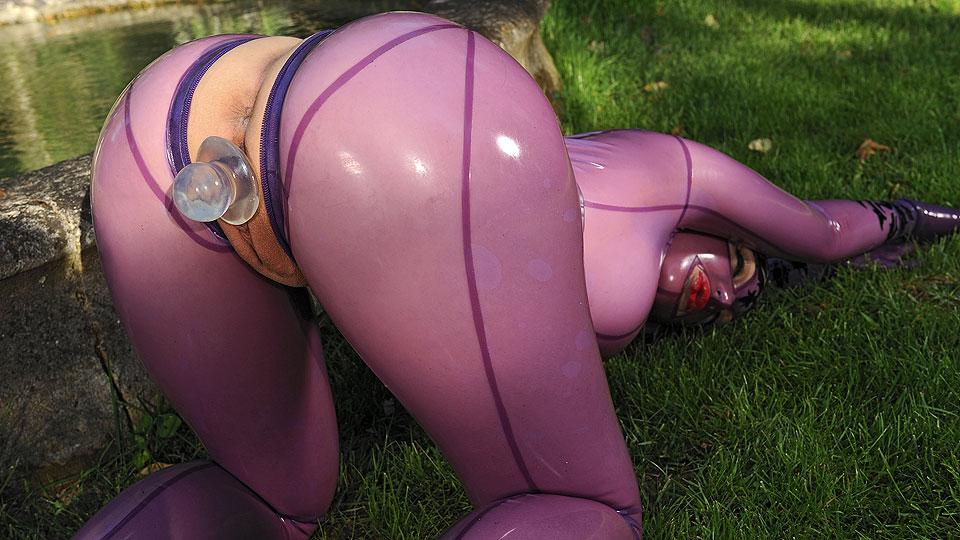 Bizarre In The Garden