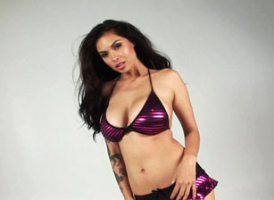 Purple Lingerie Escena 1