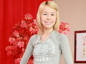 Anal teen angel Anny Scène 1