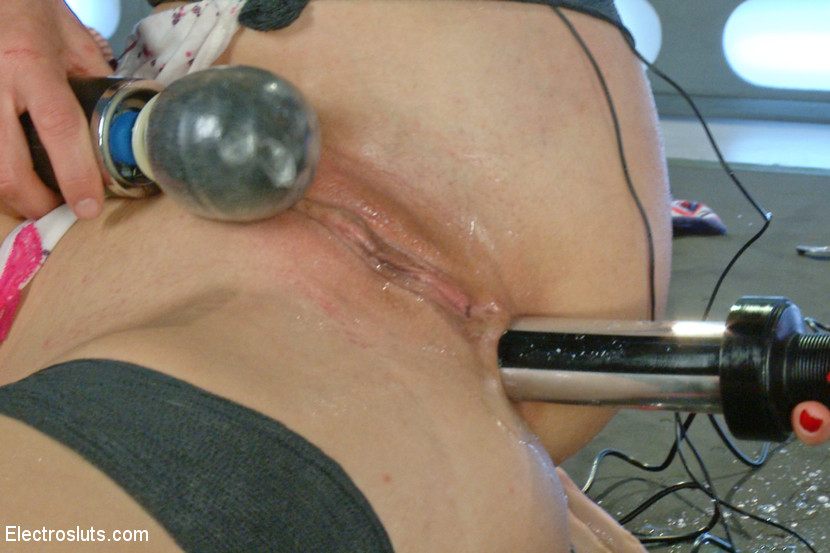 Blonde Bombshell Extreme Squirti