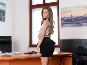 Sensual Secretary Scène 1