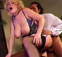 Big Tit Party Scène 1