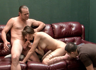 Cum Eating Cuckolds Scène 1