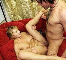 Spreading Her Legs Scène 4