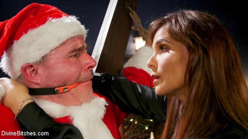 Santa Gets Got: MILF Syren de Me