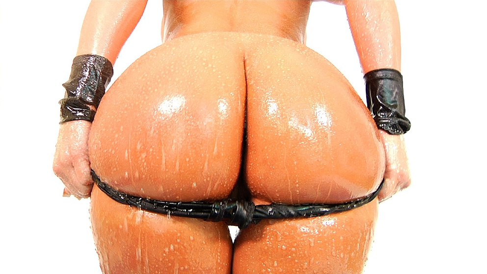 Phoenix Marie's Wet Ass Is Ready