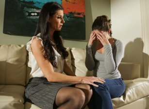 Steamy therapy with younger girls Scène 1