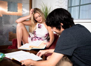 It's Okay! She's My Stepsister #06 - Adira Allure & Ricky Spanish Escena 1