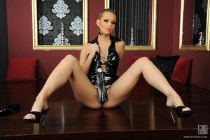 Kinky Katalin Scène 1
