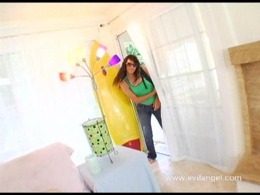 Anal Beach Buns Scena 4