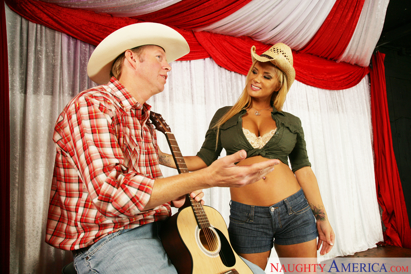 Naughty Country Girls - Shyla St