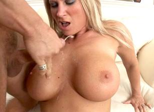 Big Titty MILFS #04 Scène 2