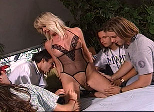 Sandy Insatiable Escena 2